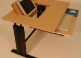 Ergonomisch optimierte Computertische von ADION: Revolution für Schule, Konferenz und Seminar