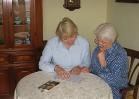 Senioren-Assistenz versus Alltagsbegleiter §53c SGB XI