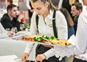 Fit für die IHK-Prüfung: Accor Hotels in Frankfurt bereiten ihre Azubis mit Prüfungssimulation vor