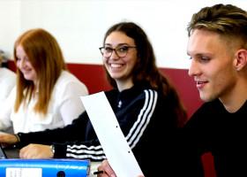 Optimale Vorbereitung auf die Gymnasiale Oberstufe – Die 10G mit WiWi im Lietz Internat Schloss Bieberstein macht´s möglich