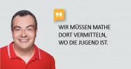 """YouTuber, Mathelehrer und Rektor: """"Lehrer Schmidt"""" ist neuer Mathe-Botschafter der Stiftung Rechnen (FOTO)"""