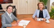 Prof. Dr. SandraÜckert folgt Sabine Schindler als Rektorin der Tiroler Privatuniversität UMIT TIROL