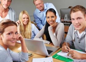 UNI.DE Standpunkt: Braucht es mehr Kollegialität unter Studenten?